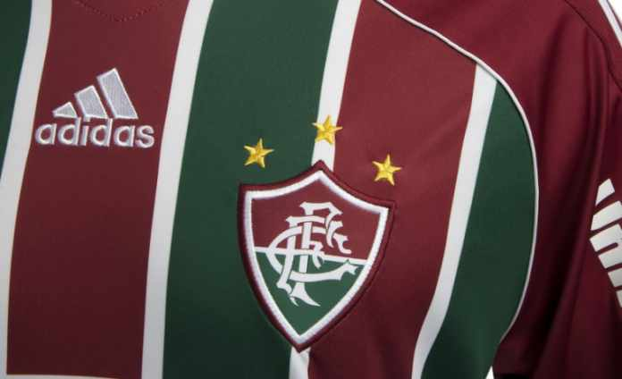 23c75baf4dc14 Apesar do término contratual entre Fluminense e Adidas já ter completado  bem mais de um ano e meio
