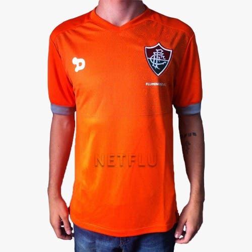 8a43d6f133 A Loja NETFLU apresenta a camisa de treino Staff por um preço que você só  encontra aqui. Por apenas R  59 você adquire o produto oficial.