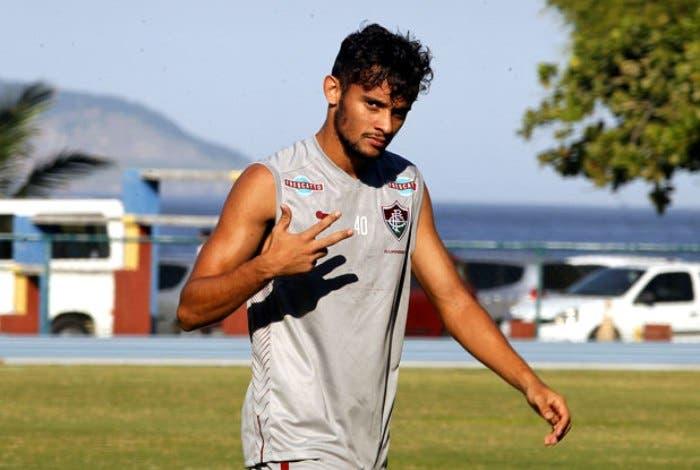 Fluminense divulga nota oficial sobre Scarpa e lamenta postura do jogador dc72deee1a893