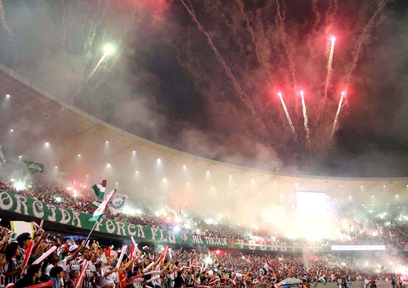 cdfbb2308bd Há exatos 10 anos, tricolores faziam a maior festa já vista no ...