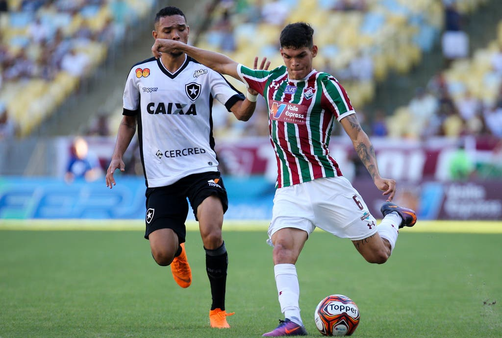 Ainda sem gols pelo Fluminense 054e9eafa6943
