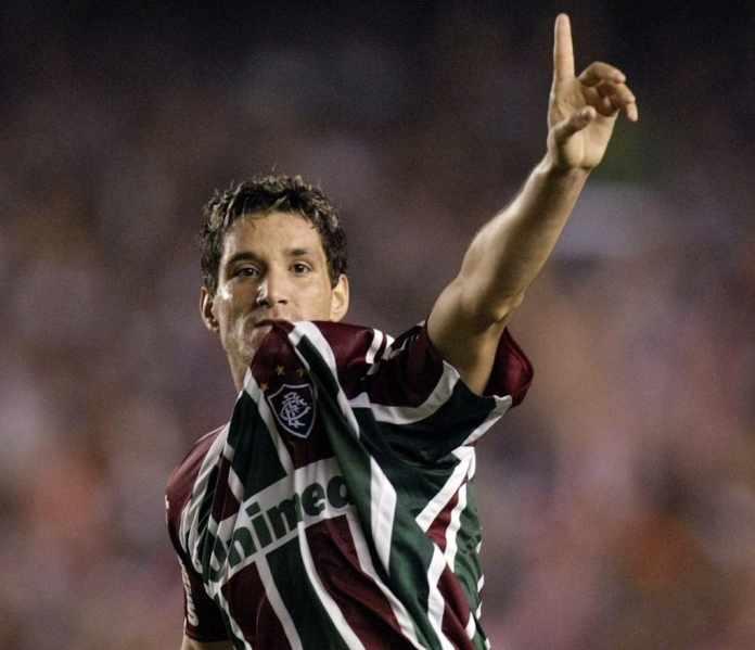 O Fluminense Football Club completa 116 anos de glórias neste sábado. Um  dos grandes jogadores que passaram na história recente do clube 0c37da5ac7fe6