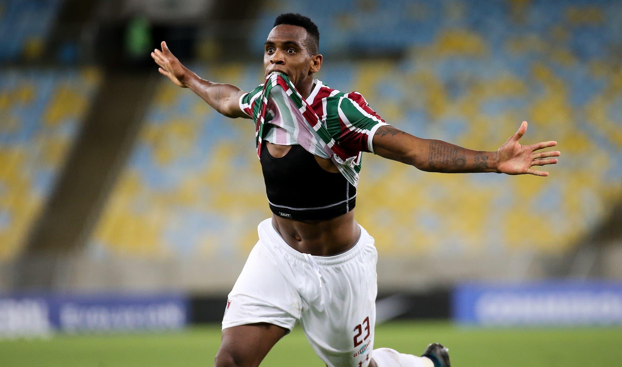 4b297646b00b5 Digão dá a volta por cima no Fluminense e reconquista carinho da torcida  tricolor