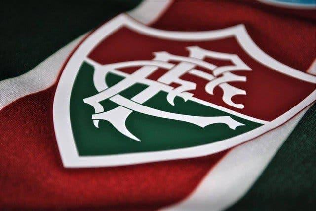 Sem Caixa Econômica Federal patrocinando clubes brasileiros. O Fluminense  até conseguiu vender algumas propriedades de sua camisa 3d007d80b8a3f