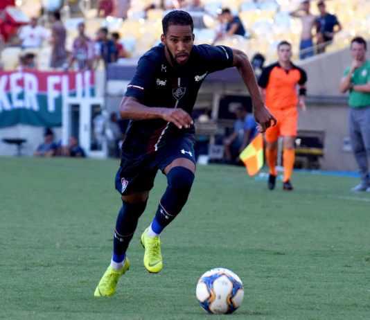 Agente confirma negociação avançada entre Everaldo e Cruzeiro 4c7b3ff40c306