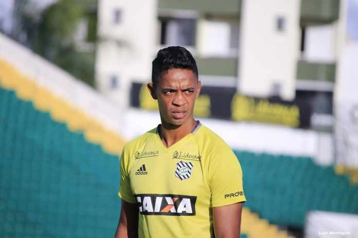 54e38dc5e1 Sem espaço no Fluminense
